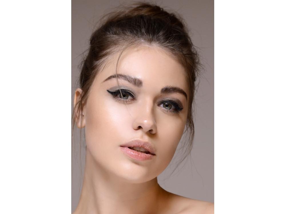 metal eyes trucco occhi metallico autunno inverno 2018 2019 (1)