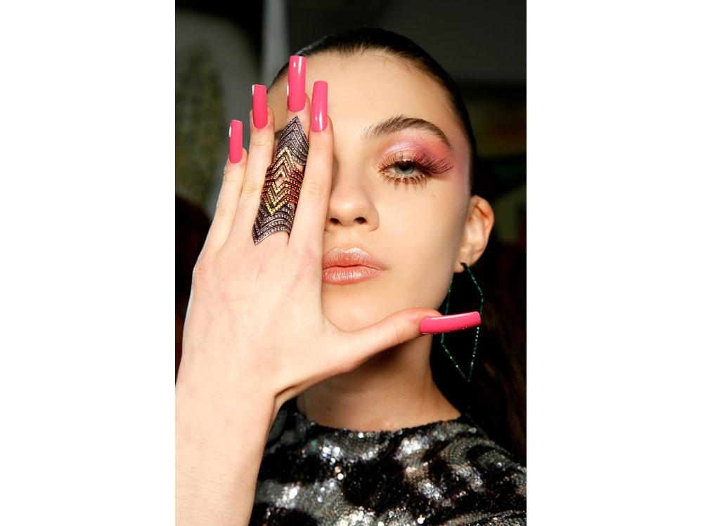 nail art autunno inverno 2018 2019 ispirazione foto dalle passerelle sfilate di moda (2)