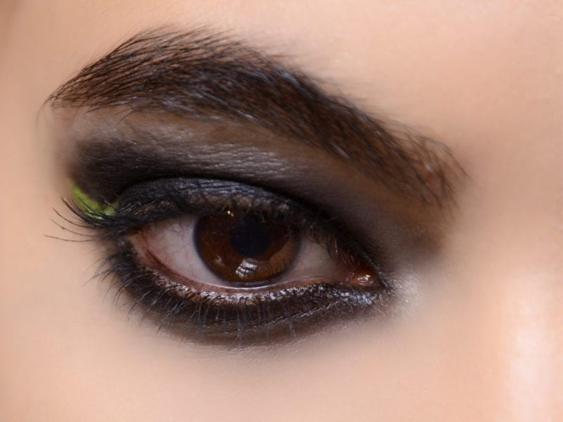 trucco occhi smokey eyes nero tendenza make up autunno inverno 2018 2019 (1)