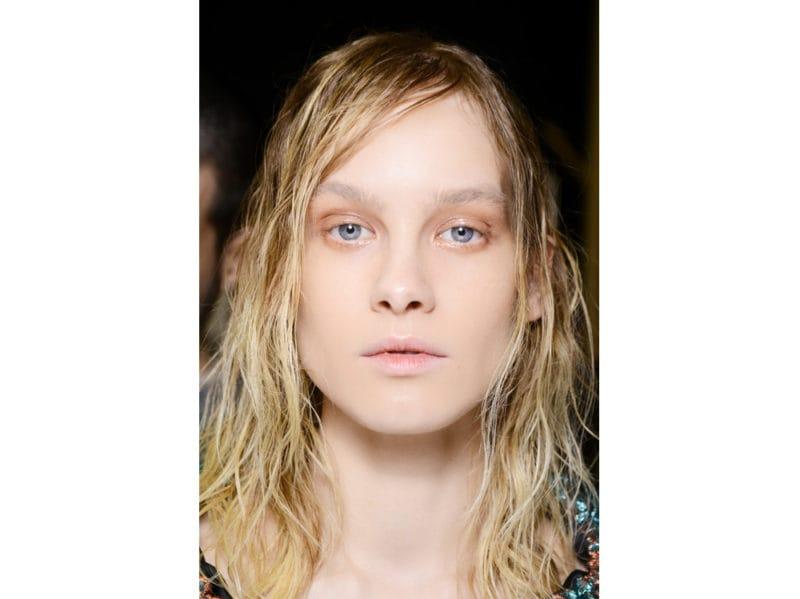 wet hair capelli effetto bagnato autunno inverno 2018 2019 (10)