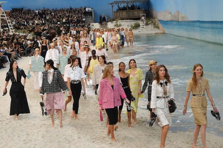 In riva al mare con Chanel
