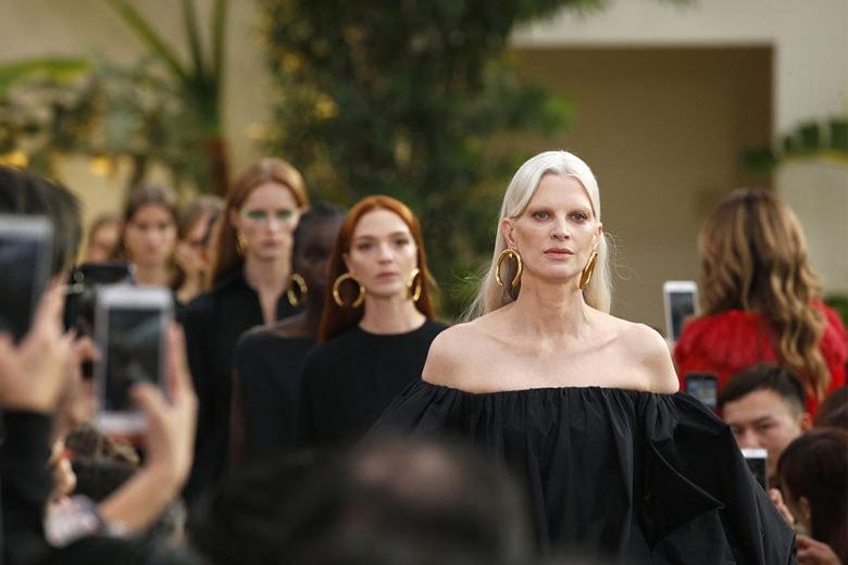 """Valentino Primavera Estate 2019: il """"ready to wear"""" couture di Pierpaolo Piccioli"""