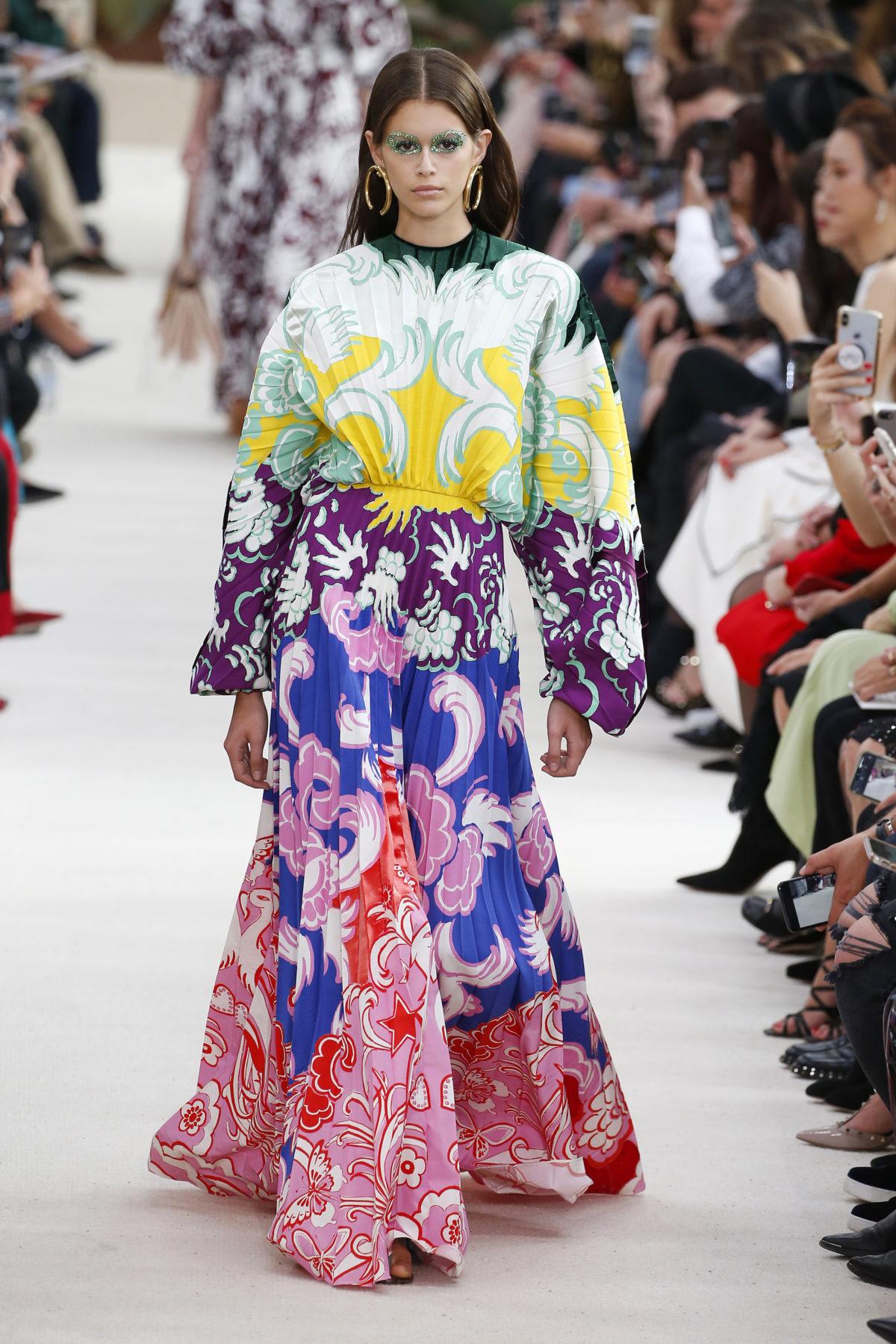 Valentino : Runway – Paris Fashion Week Womenswear Spring/Summer 2019