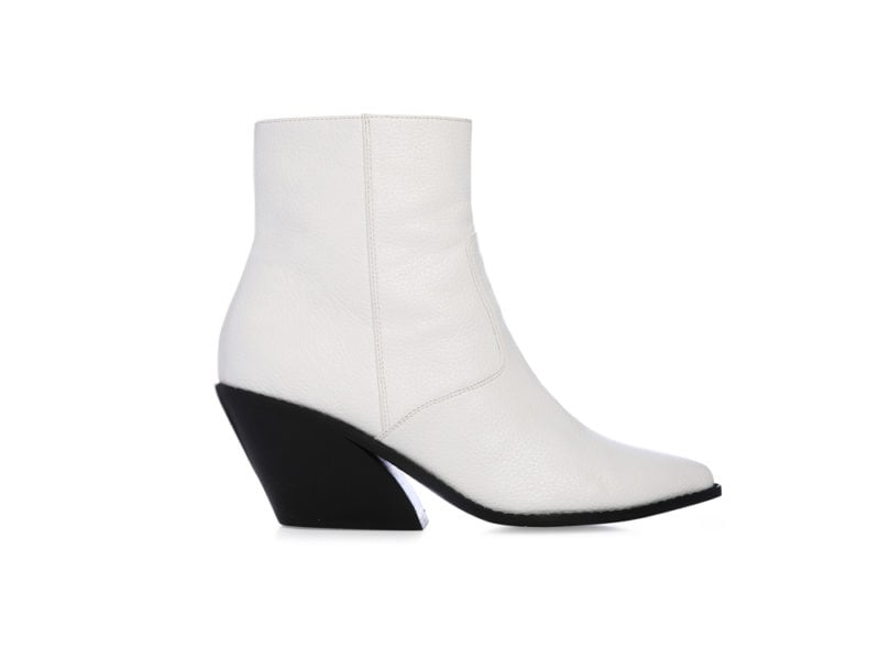 Primark_FW18-Donna_Curved-Heel-Cowboy-Boot-£16-€21