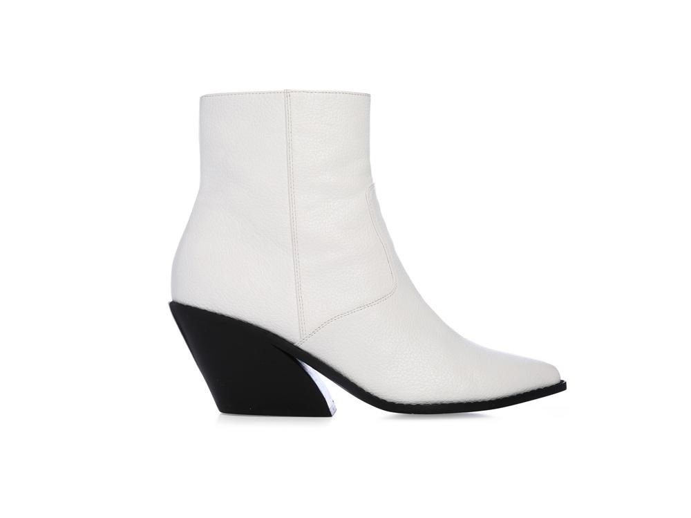 Primark_FW18-Donna_Curved-Heel-Cowboy-Boot-£16-€21
