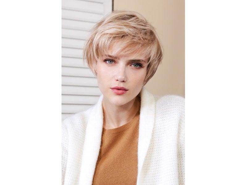 SAINT ALGUE stile frangia capelli saloni autunno inverno 2018 2019