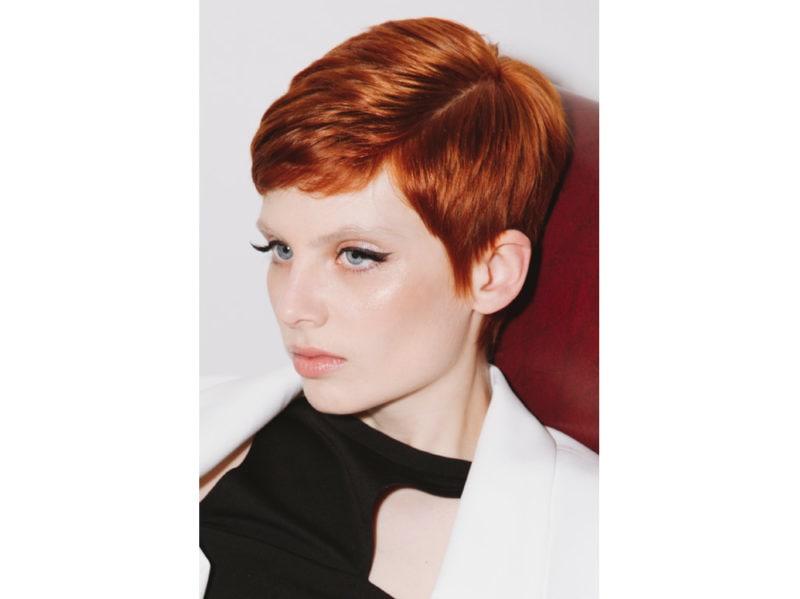 WELLA_SOGLAM_AI_19_6 stile frangia capelli saloni autunno inverno 2018 2019