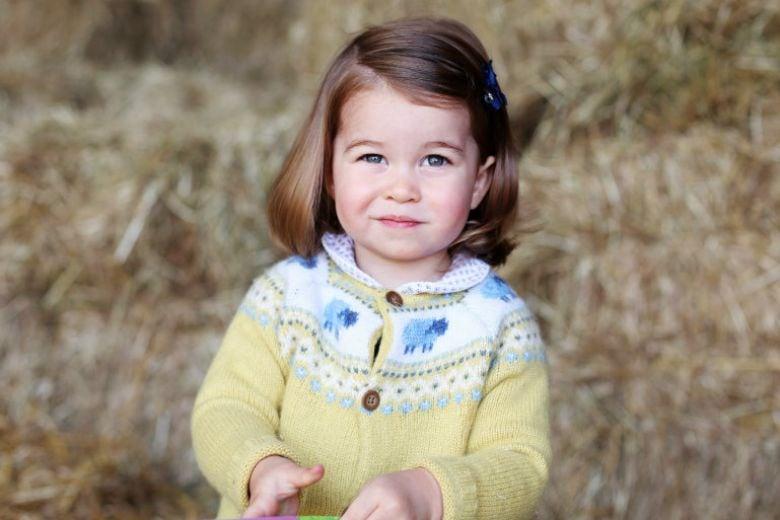 È William a pettinare la principessa Charlotte: ha imparato guardando tutorial su YouTube