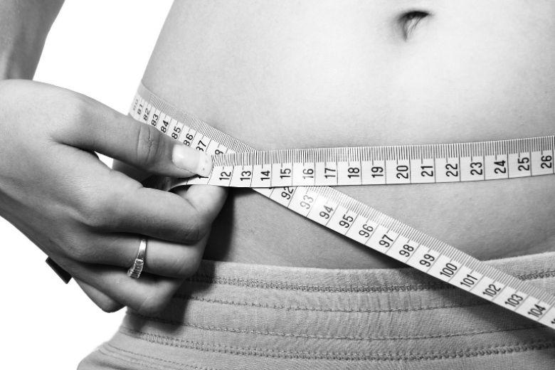 Dieta chetogenica: pro e contro della dieta che obbliga l'organismo a bruciare più grassi