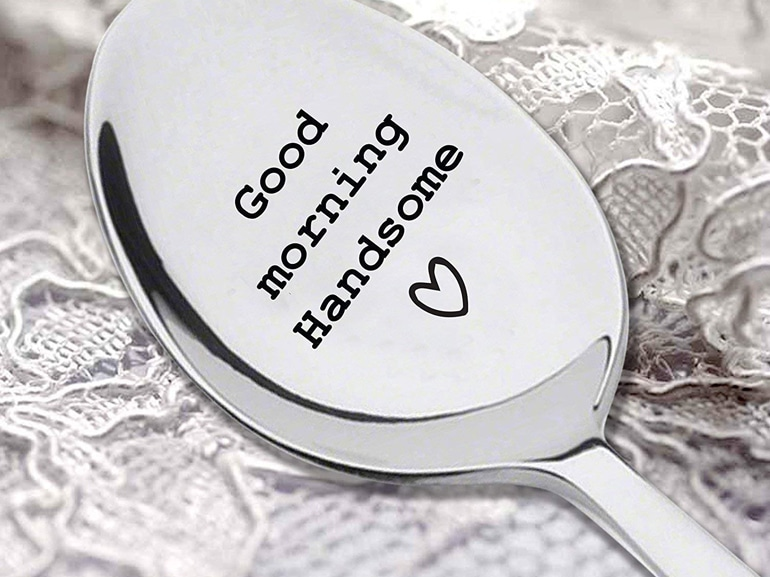 cucchiaio con scritta
