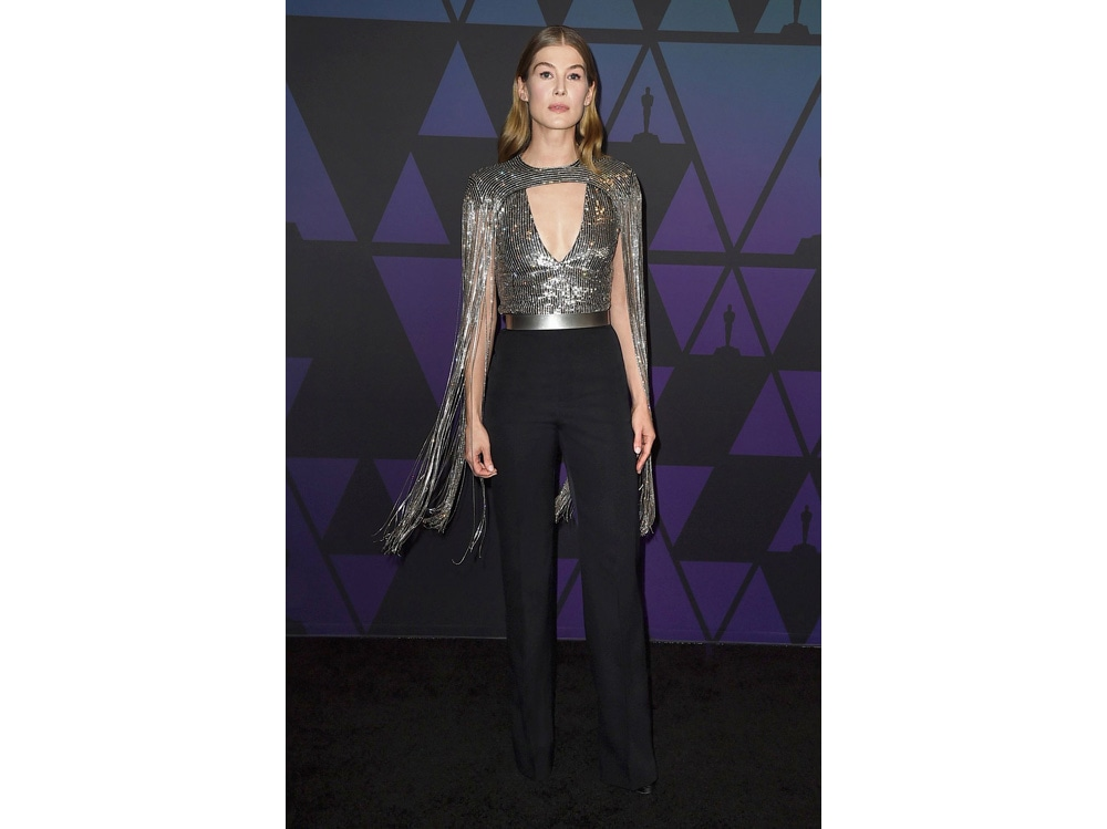 Rosamund-Pike-in-Givenchy-(1)