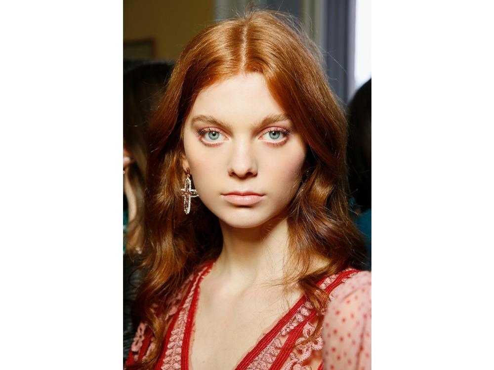 boucy hair capelli voluminosi vaporosi mossi stile anni 70 (11)