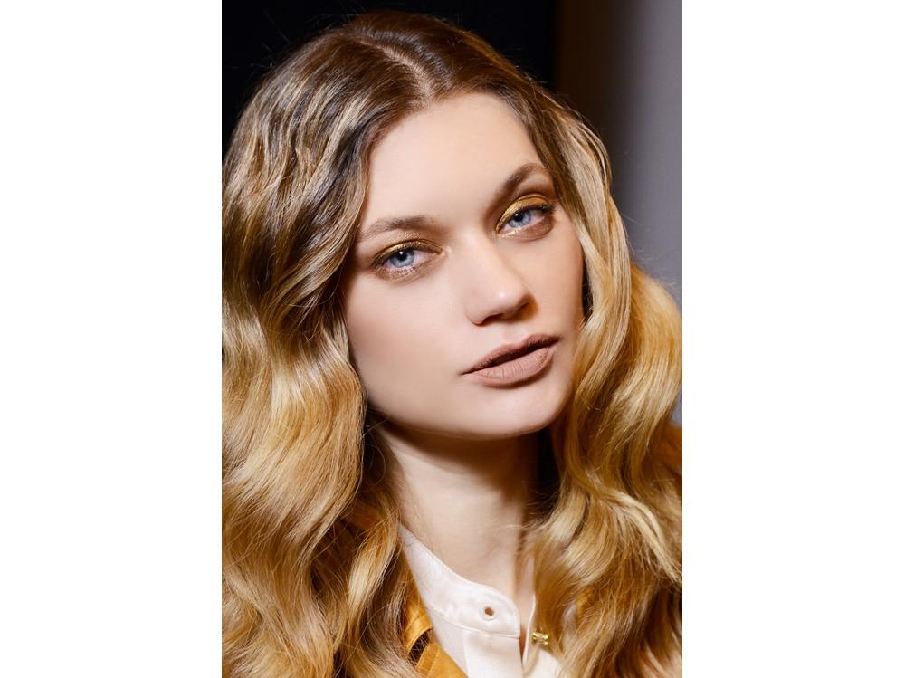 boucy hair capelli voluminosi vaporosi mossi stile anni 70 (3)