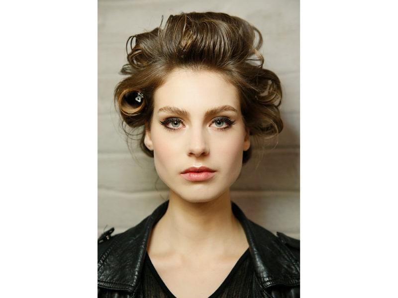 boucy hair capelli voluminosi vaporosi mossi stile anni 70 (7)