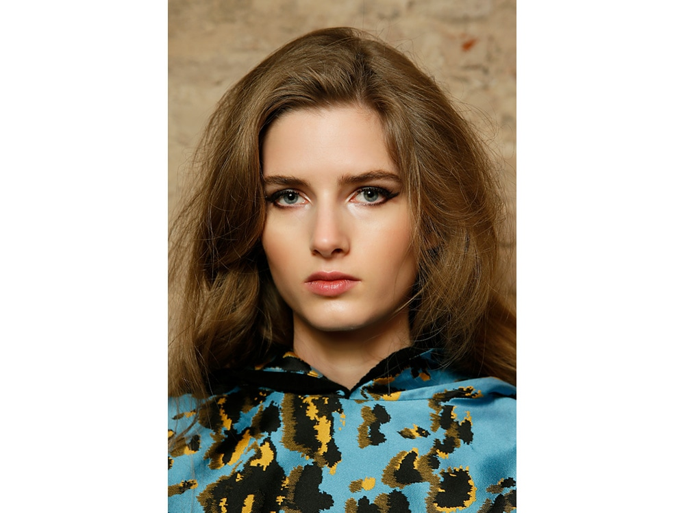 boucy hair capelli voluminosi vaporosi mossi stile anni 70 (9)