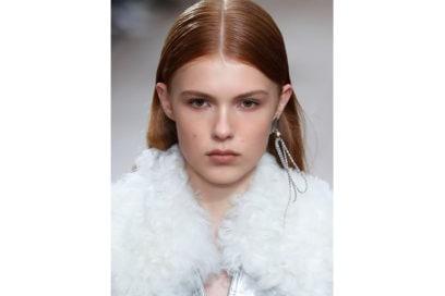 capelli-rosso-nuance-autunnale-consigli-su-come-sceglierlo-3-1-Phillip-Lim_bty_W_S19_NY_003_3056742