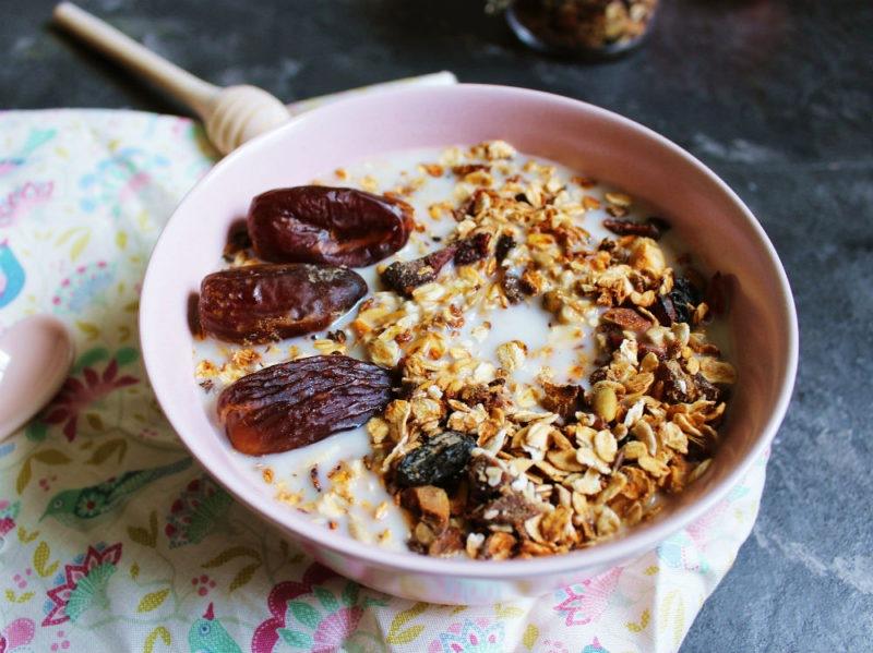 cereali integrali ciotola frutta