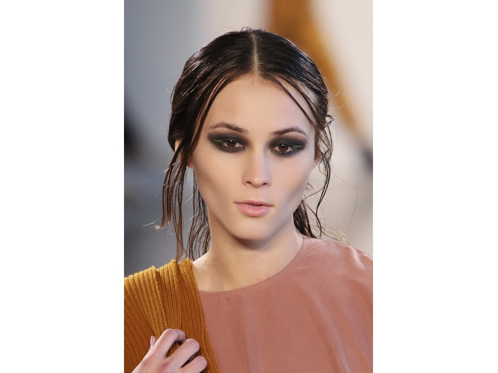 make up e outifit in contrasto trend mac cosmetics gordon espinet (10)