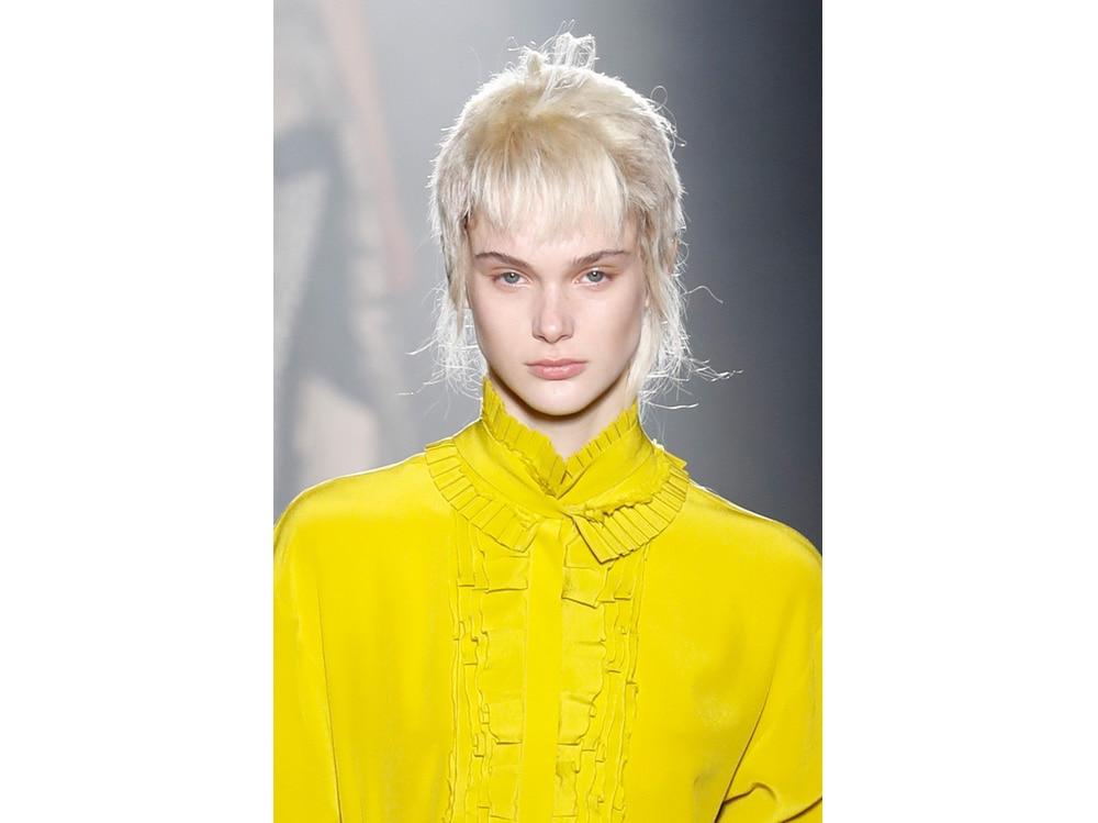 make up e outifit in contrasto trend mac cosmetics gordon espinet (7)