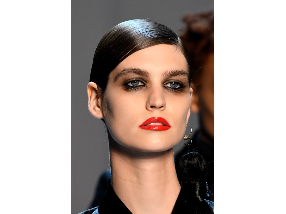 make up e outifit in contrasto trend mac cosmetics gordon espinet (8)