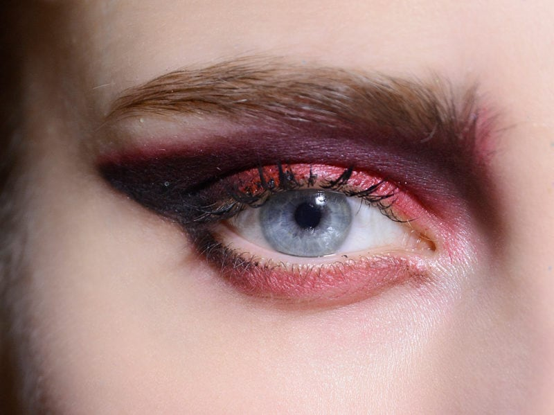 ombretti metallici trend passerella mac cosmetics gordon espinet (8)