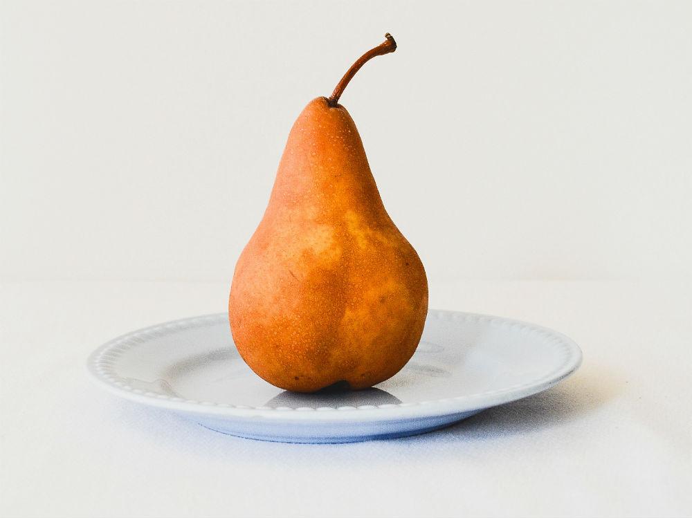 pera frutta piatto