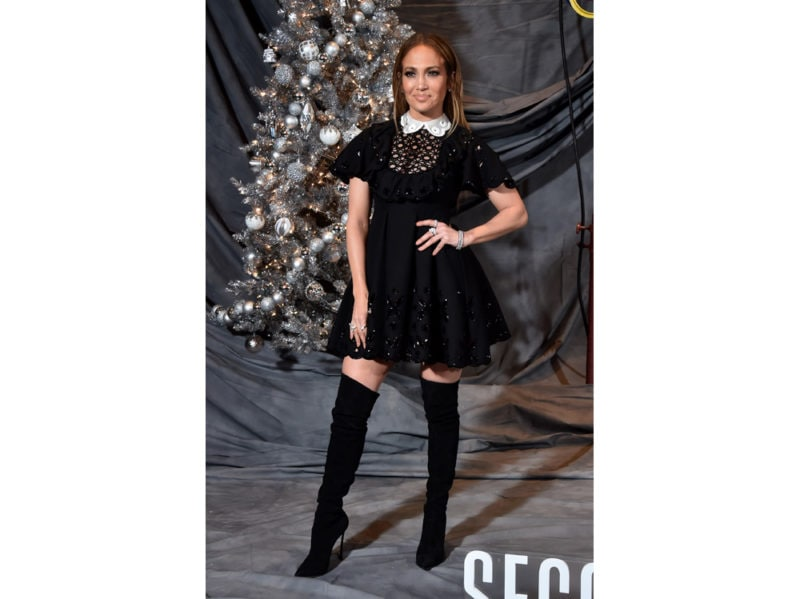 Jennifer-Lopez-in-Valentino-getty