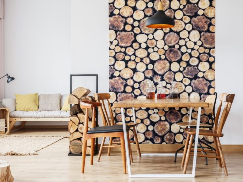 Apartment with logs of wood decoration