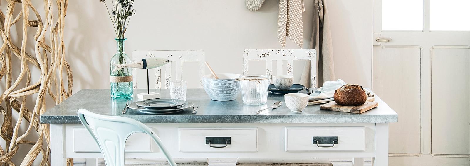 Come arredare la sala da pranzo in stile shabby chic for Arredare la sala