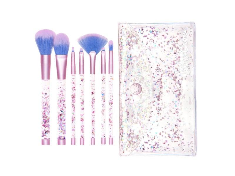 i-set-di-pennelli-più-originali-per-un-make-up-fatato (1)