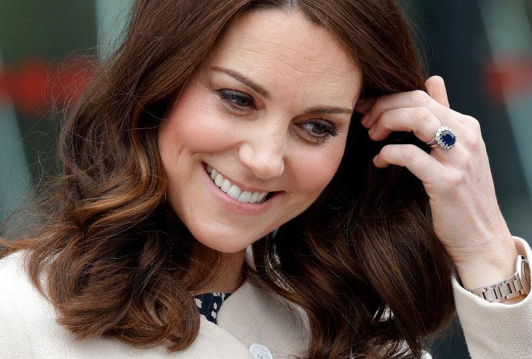 Kate Middleton ha comprato i vestiti di Halloween per George e Charlotte al supermercato