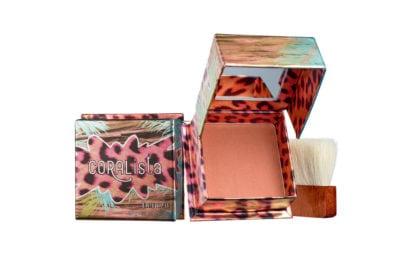pantone-living-coral-colore-2019-prodotti-make-up-benefit-cosmetics-blush-coralista