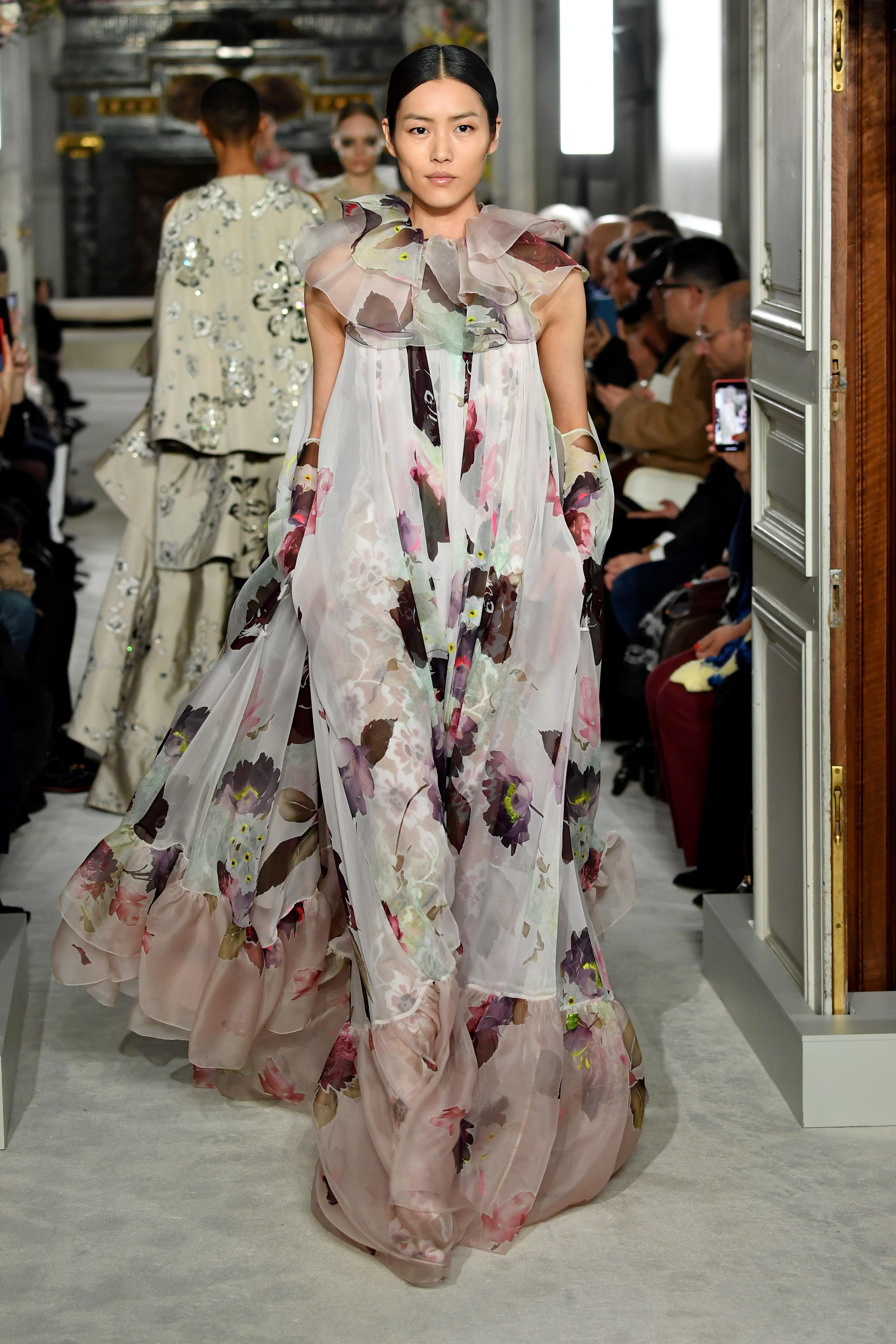 new style 230b3 4a681 Valentino: la sfilata Haute Couture per la Primavera Estate 2019