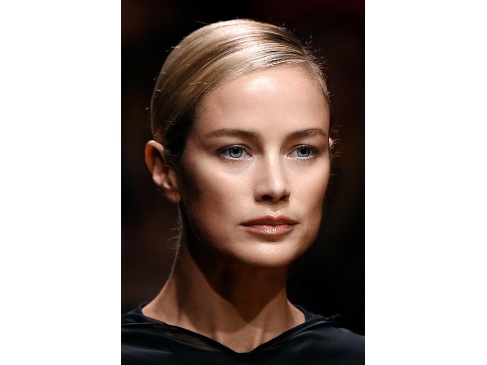 5 trucchi per applicare bene l'eyeliner che ogni donna dovrebbe sapere (2)