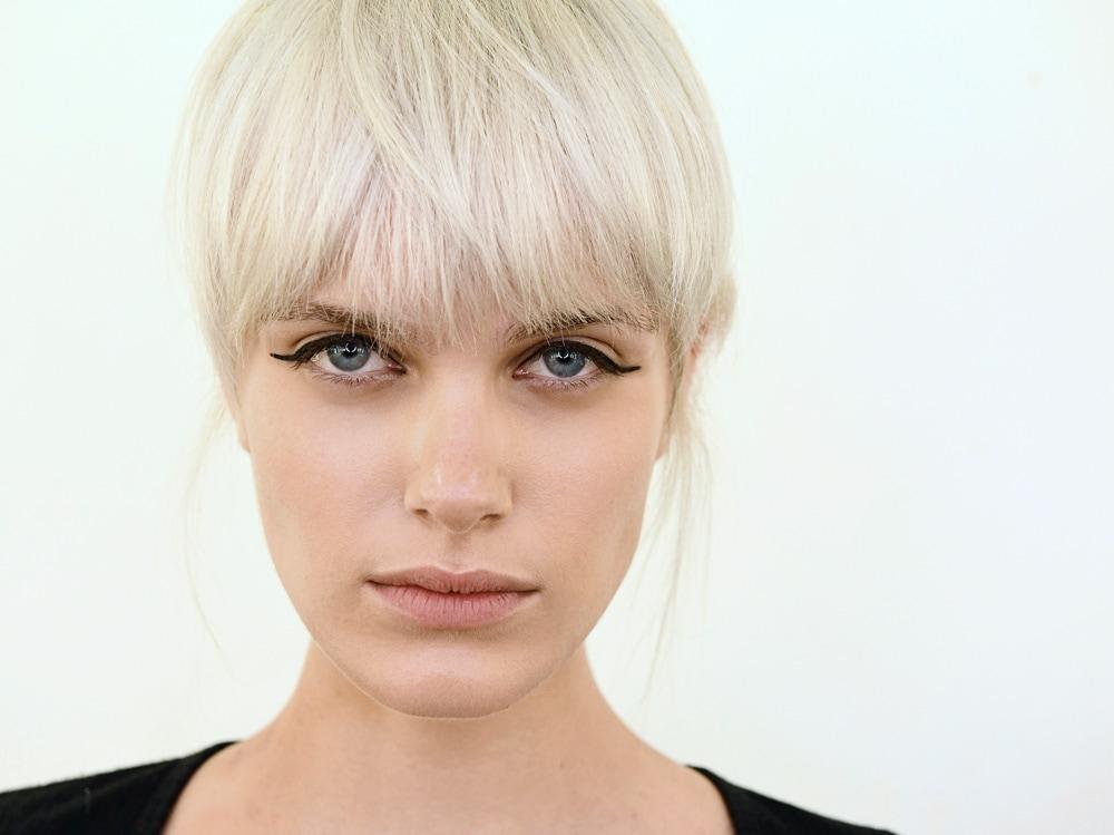 5 trucchi per applicare bene l'eyeliner che ogni donna dovrebbe sapere (6)