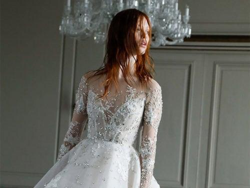 018e1e10c26e Abiti da sposa decorati  con cristalli e applicazioni
