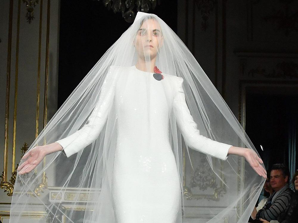 Abiti Da Sposa Armani.Abiti Da Sposa Da Dior Ad Armani Prive I Modelli Della Haute Couture
