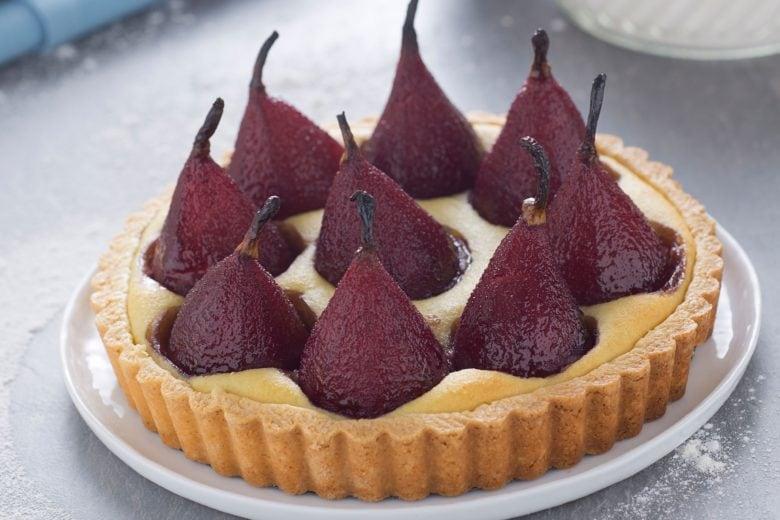 Crostata frangipane con pere al vino rosso
