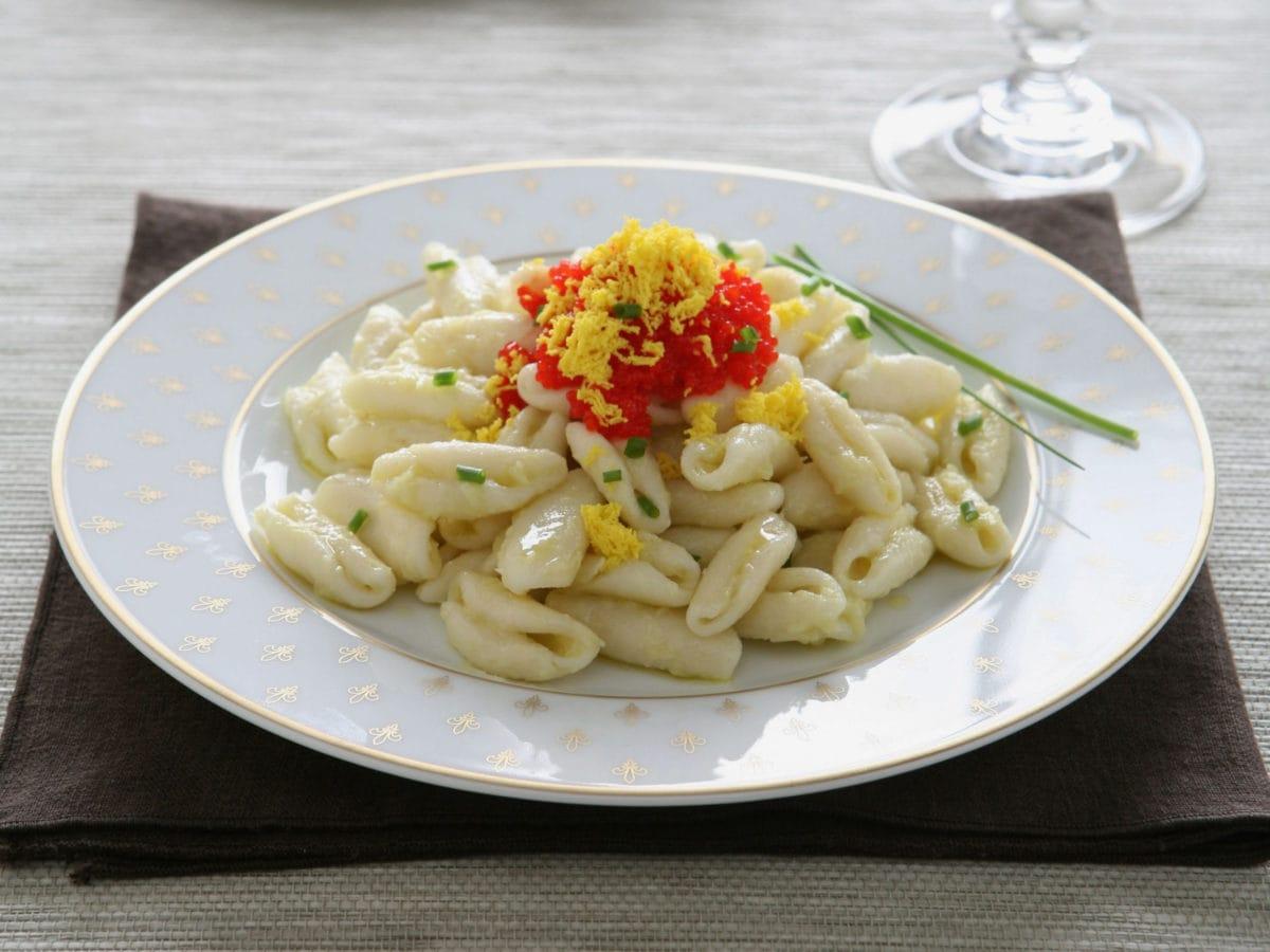 Pasta afrodisiaca con caviale di salmone(1)(1)