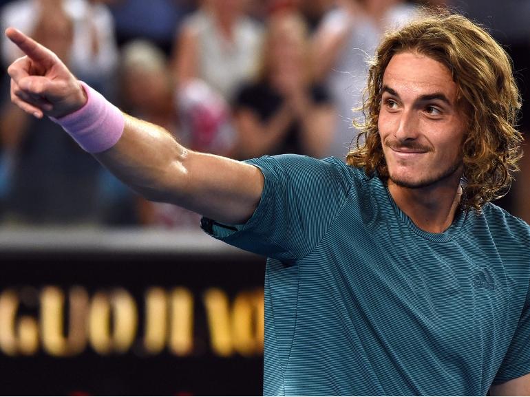 Stefanos Tsitsipas tennista greco vita privata curiosita nuovo campione emergente bello fisico scolpito (2)