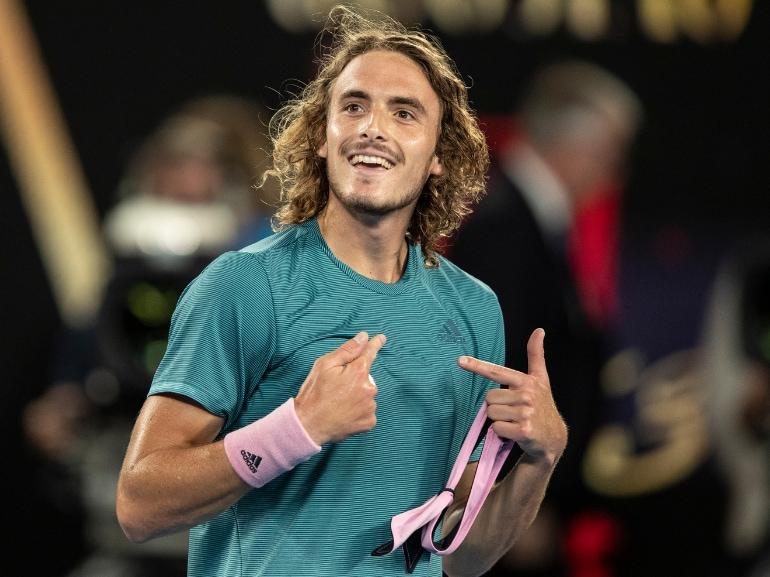 Stefanos Tsitsipas tennista greco vita privata curiosita nuovo campione emergente bello fisico scolpito MOBILE