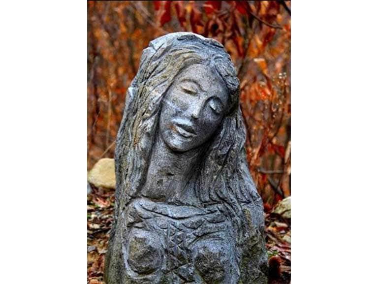Vergine-dello-spiazzo-lungo-la-strada-di-DOSSA-nel-comune-di-COSIO-VALTELLINO
