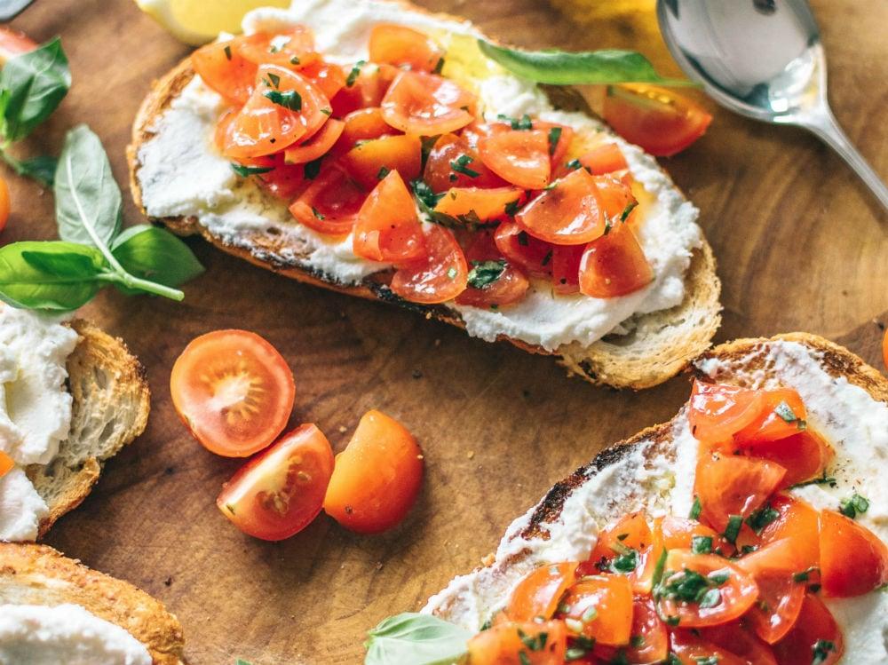 ricotta pane pomodori