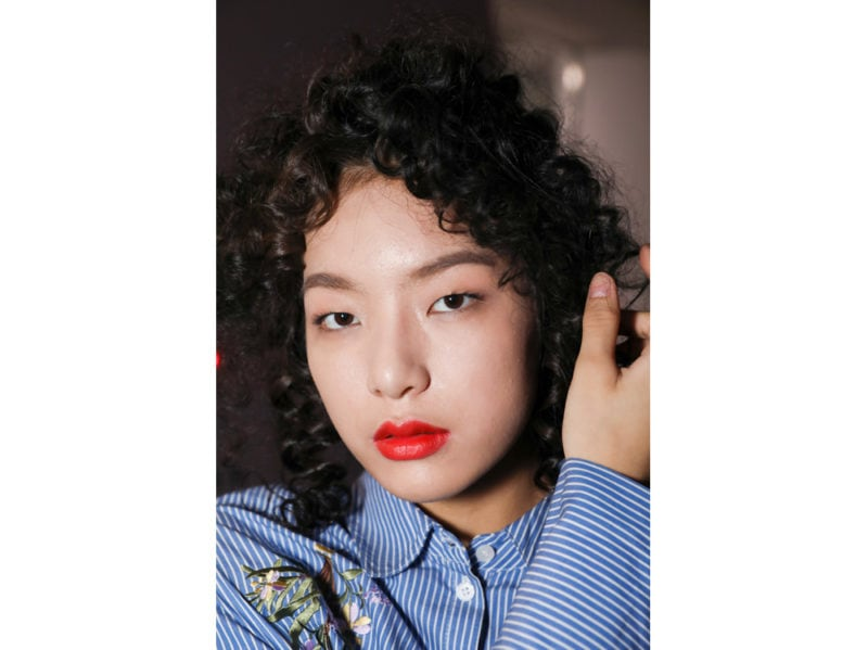 tendenze acconciature capelli mossi primavera estate 2019 (1)