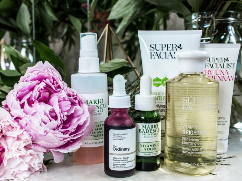 1) skincare curare la pelle conoscere il tipo di pelle e usare creme giuste per base perfetta