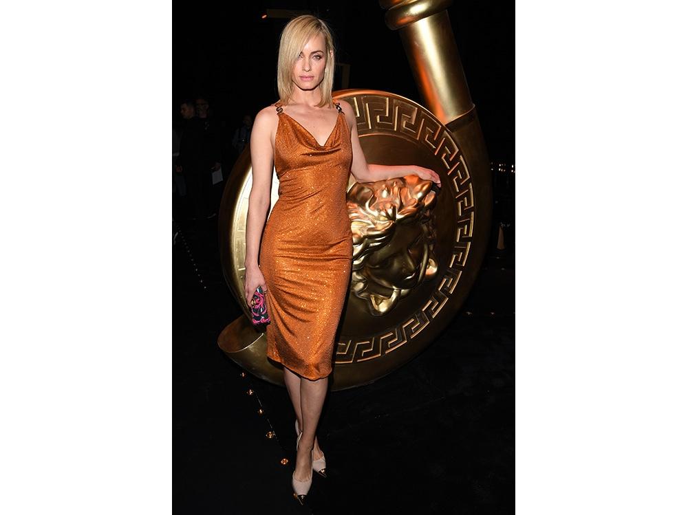 Amber-Valletta-da-Versace