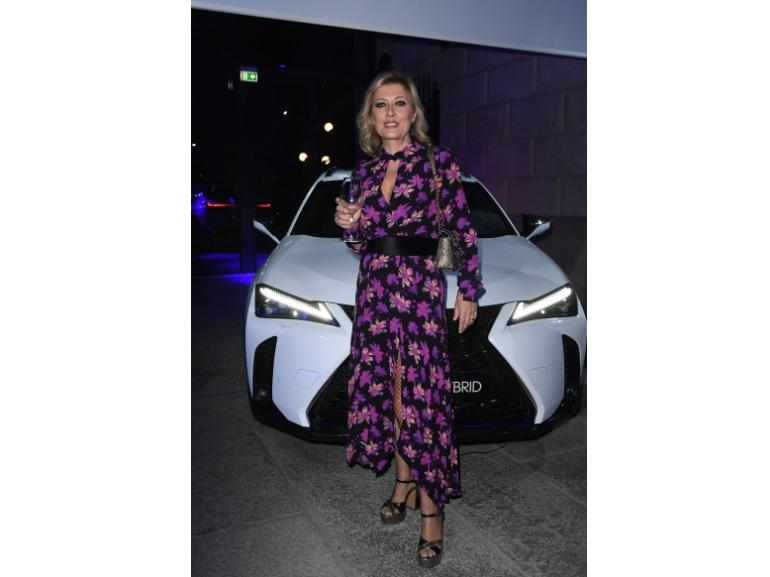 Festa Grazia e Lexus Milano presentazione della nuova AUTOMOBILE LEXUS UX HYBRID 14
