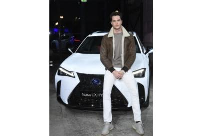 Festa Grazia e Lexus Milano presentazione della nuova AUTOMOBILE LEXUS UX HYBRID 25