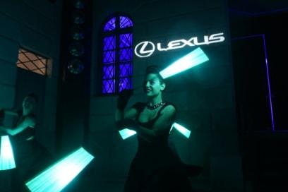 Festa Grazia e Lexus Milano presentazione della nuova AUTOMOBILE LEXUS UX HYBRID 3