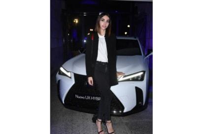 Festa Grazia e Lexus Milano presentazione della nuova AUTOMOBILE LEXUS UX HYBRID 4